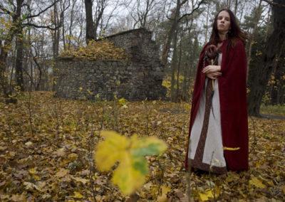Druidská kněžka Noira na fotografii Standy Krupaře pro Reflex