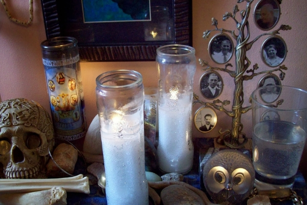 Domácí oltář předků novodobého pohana